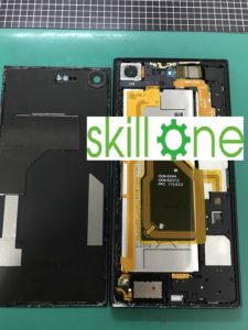 XZ Premiumの修理中の写真